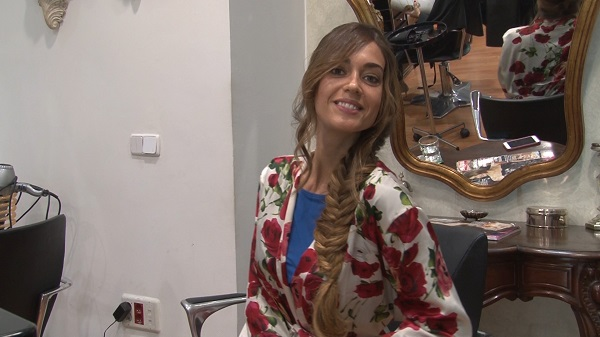Tratamiento de Hidratación del cabello con Alma Luzón estilista, black and white peluqueros
